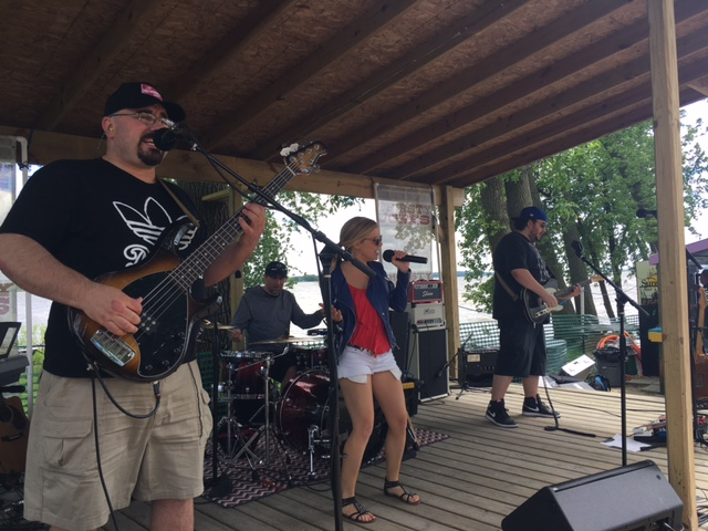Kirstie Kraus, Jacob Vance, Brian Connolly, and Curt Schreider of Thirsty Jones performing live at Sunset Bar on Memorial Day 2017